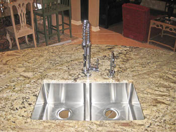 Squared-edged Double Bowl Undermount Sink in Granite Kitchen Counter