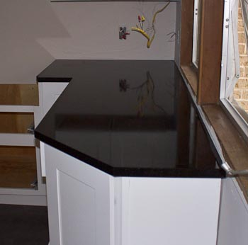 Flat-Polish Edge on Honed Black Granite