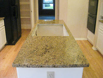 Ornamental Granite Kitchen White Cabinets
