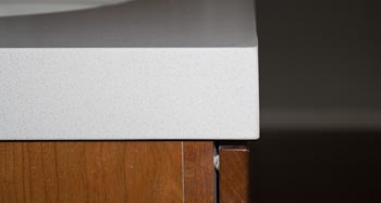 Laminated-Edge on HanStone Aurora Snow Quartz
